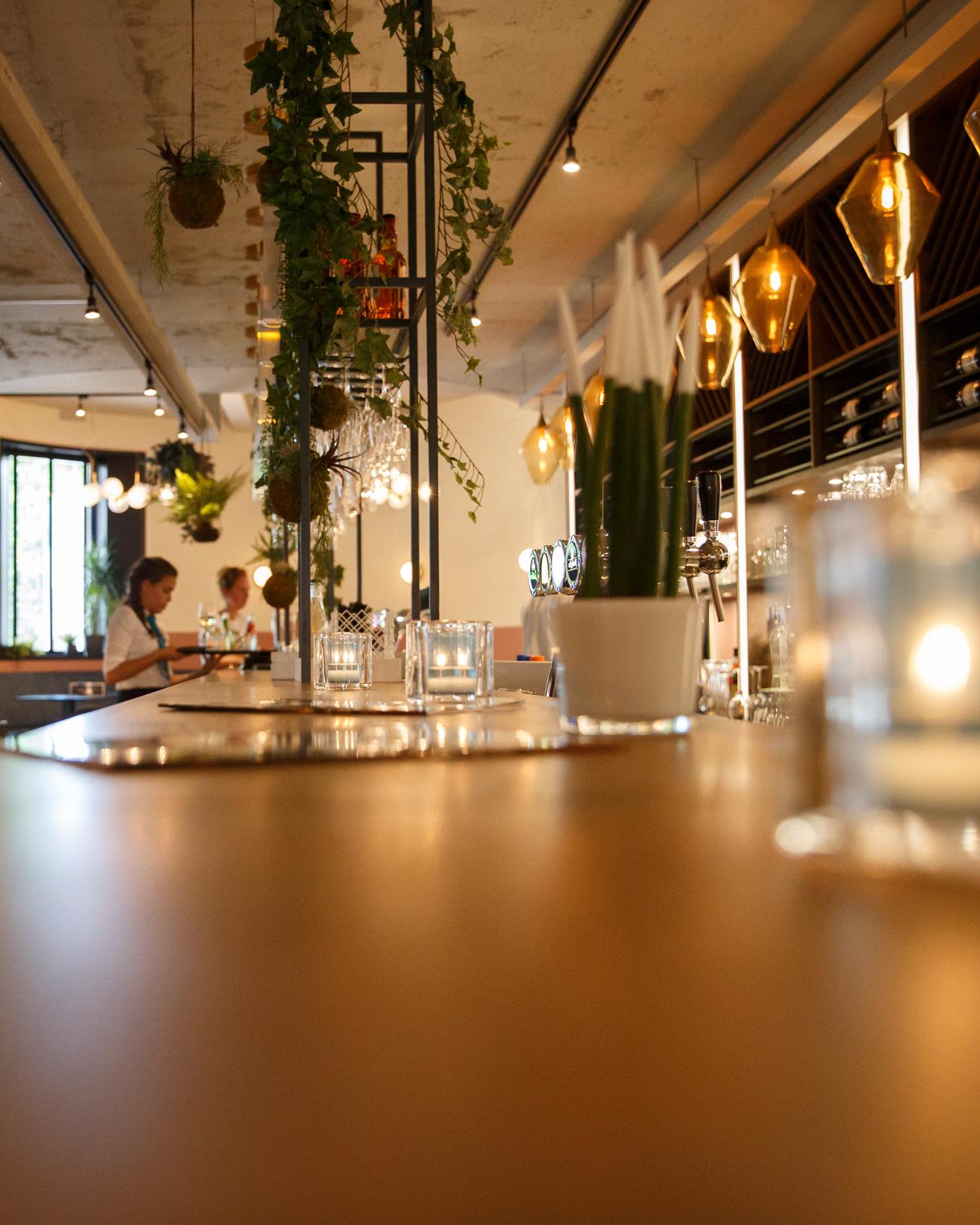 Bedrijfsfotografie restaurant sfeerbeeld bedrijfsreportage restaurant Berlage Eindhoven Kim Vos