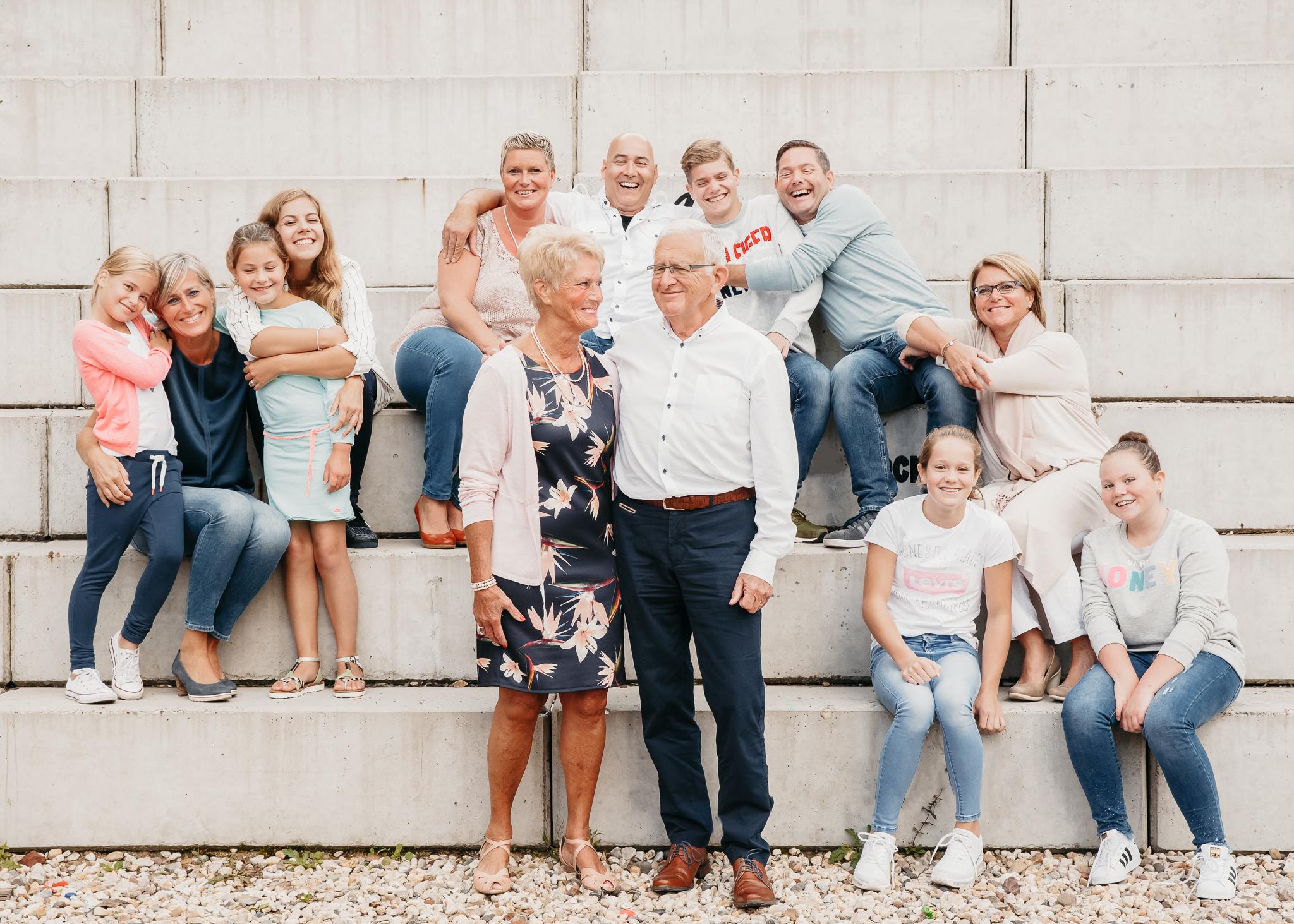 familiereportage fotoshoot familiefotoshoot kim vos fotografie nuenen strijp s Eindhoven